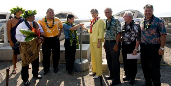 Gov. Linda Lingle participates in the dedication of a new solar farm by Sopogy called Holaniku at Keahole Point. (Hawaii 24/7 photo by Karin Stanton)