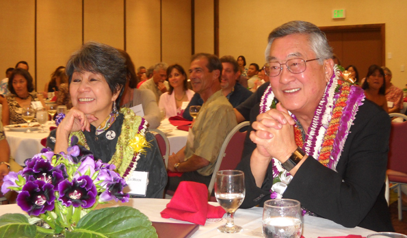 West Hawaii Bar Association honors state's top judge at dinner; announces scholarship winners
