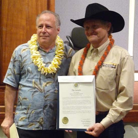 Sen. Russell Ruderman and Dr. Tim Richards. (Photo courtesy of Hawaii Invasive Species Council)