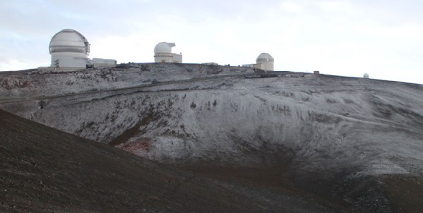 A light dusting of snow atop Mauna Kea. (Photo courtesy of Andrew Cooper | A Darker View)