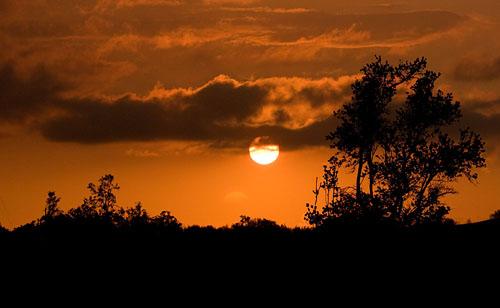 Sunset over Pu'uanahulu.