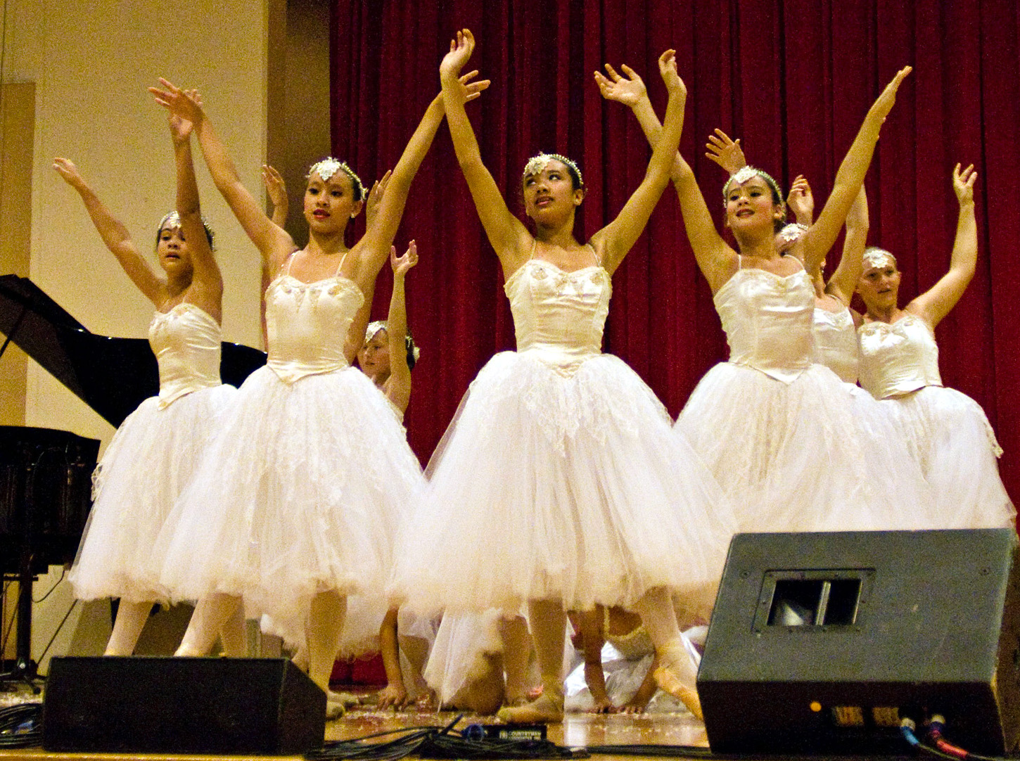 Holiday shows spotlight WHDT dancers