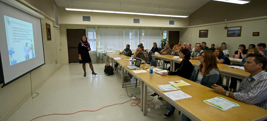 Workshop on using new media tools for business in HIlo Friday and coming to Kona Wednesday, January 28.