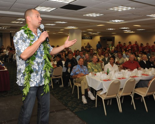 Shane Victorino speaking to the over 300 Vulcan supporters.