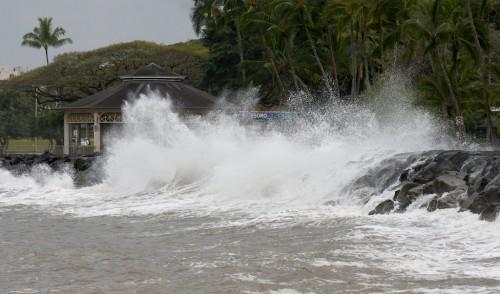 20090304_hilo-bayfront-surf