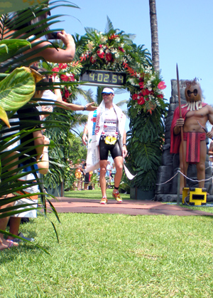 Craig Alexander wins the Ironman 70.3 Hawaii title on the new race course. (Hawaii247.com photo by Karin Stanton)
