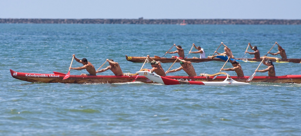 The Men's Novice A race was run twice due to an accident between an official's boat and the Tui Tonga canoe. Click above for photo and time-lapse photography of the re-run.