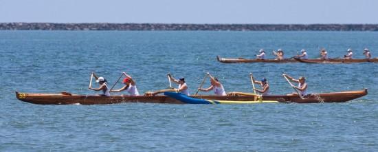 The women's Novice B race in Hilo Bay.