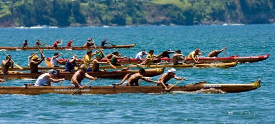 The Freshmen Men's 1 mile race in Hilo Bay during the Puna Canoe Club regatta.