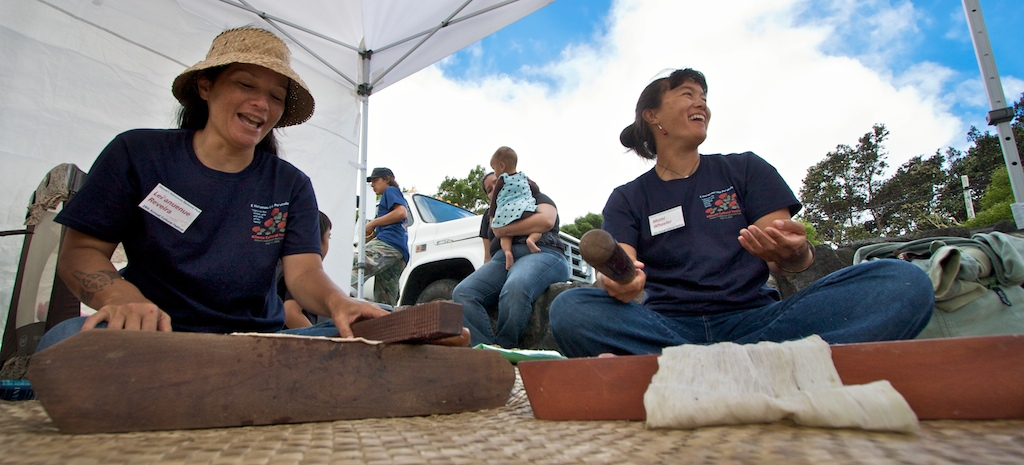 Lei'anuenue Reveira, left, and Momi Wheeler demonstrate how kapa (bark cloth) is made at Hawaii Volcanoes National Park. Photos and video of the event.