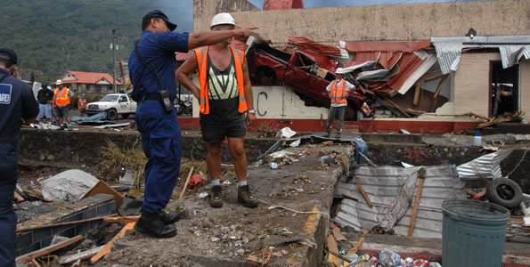A day after the deadly earthquake-tsunami disaster in the southern Pacific, Hawaii residents and businesses are joining the military in  reaching out to help.