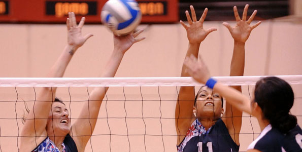 The University of Hawaii at Hilo came out hot to knock of Notre Dame de Namur University 3-0 in a Pacific West Conference match in the UHH gymnasium.  Set scores were 25-14, 25-13, 25-23.