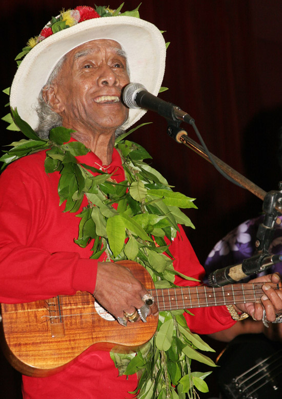 Uncle George Naope 1928-2009 (Hawaii247 photo special by Tim Wright)