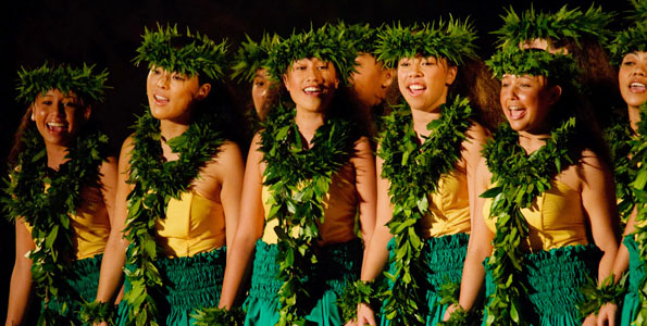 Members of Beamer-Solomon Halau O Poohala perform during kahiko competition for the 2009 Moku O Keawe International Hula Festival at Waikoloa Bowl Thursday (Nov 5).