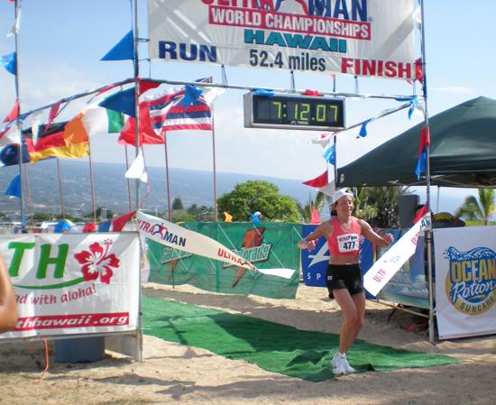Ann Heaslett shatters the women's run record by 35 minutes. (Hawaii 24/7 photo by Karin Stanton)
