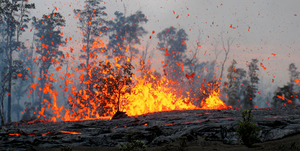The eruption on Kīlauea volcano's east rift zone continued throughout the day on the eastern and western ends of the 2.3 km long fissure located between Pu'u 'Ō'ō and Nāpau Crater, but late this afternoon, the eastern part of the fissure shut down.