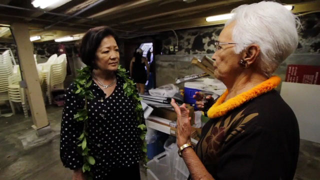 Congresswoman Mazie Hirono toured Kailua-Kona at the King Kamehameha's Kona Beach Hotel and its shops along with Alii Drive and Hulihee Palace Saturday (March 26).