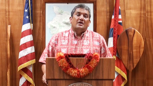 Mayor Kenoi talks about the possible impact of a federal government shutdown which would include the closing of Hawaii Volcanoes National Park.