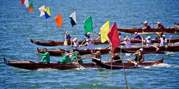 The 1 mile Women Masters race in the first turn in Hilo Bay. Photo by Baron Sekiya   Hawaii 24/7