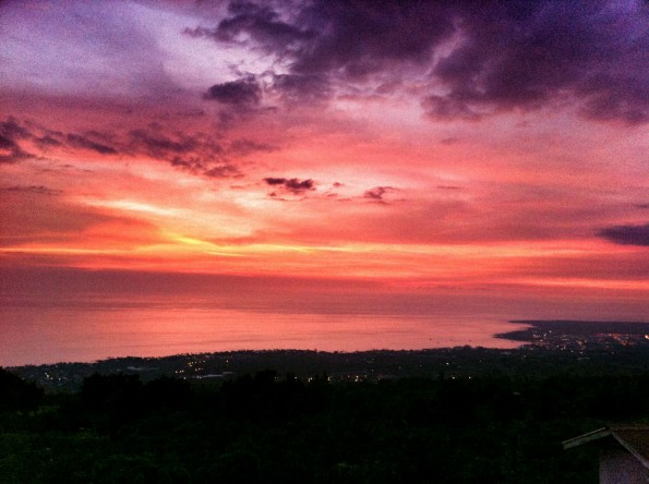 Just after sunset in Kailua-Kona as seen from Holualoa Sunday (Oct 2). With some color saturation help from Snapseed on the iPhone. Photo by Baron Sekiya | Hawaii 24/7