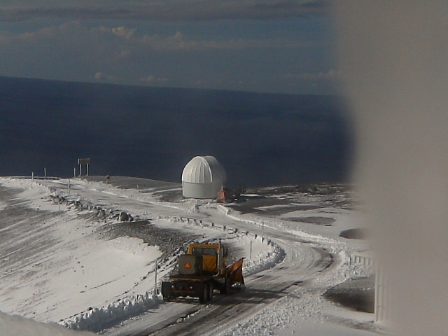 The National Weather Service in Honolulu has issued a Winter Weather Advisory for the summits of Mauna Kea and Mauna Loa until 6 a.m. Tuesday (Dec 20). Time-lapse movie of the summit showing snowfall.