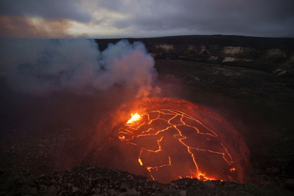 The lava remains at a high level, with high stands reaching 33 m (110 feet) below the floor of Halemaumau crater. Photo courtesy of USGS/HVO